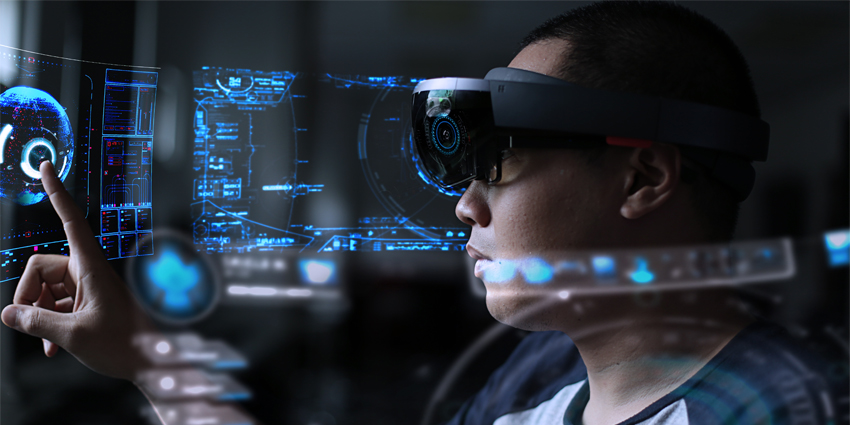 Microsoft's Hololens 3 Aims at Competition in HTC & Apple